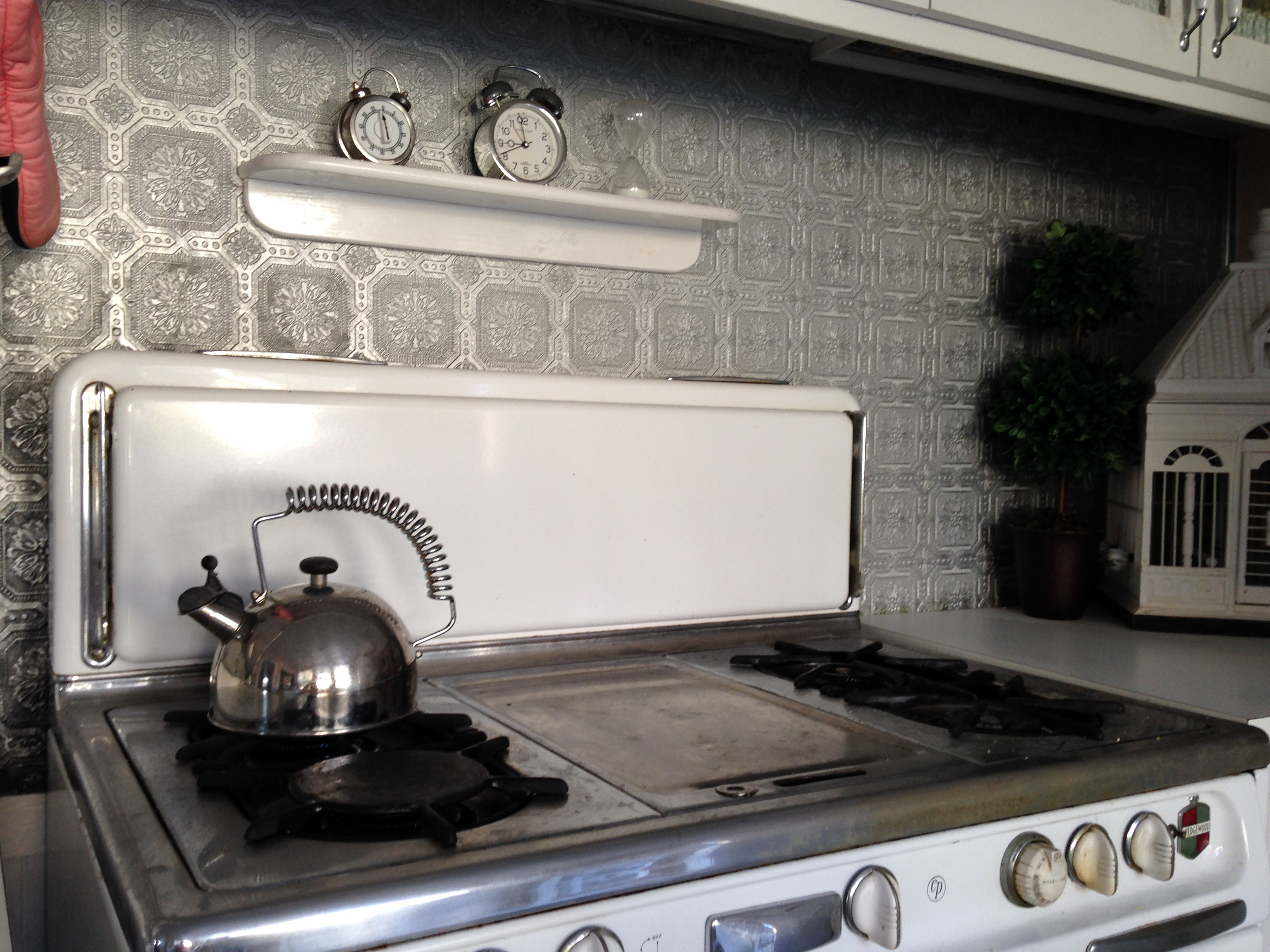 how to paint a faux pressed tin tile backsplash artifact